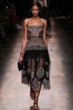 Valentino Spring 2015 Ready-to-Wear Fashion Show - Aya Jones