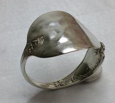Antiker Besteckschmuck-Armreif  Armband  AB247 von Atelier Regina auf DaWanda.com