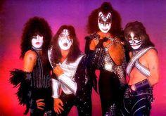 Kiss 1977 | Gran documento del proceso de grabación de Love Gun en 1977 en KISS ...