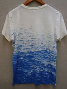 Etsy の perfect surf tee by fluxproductions