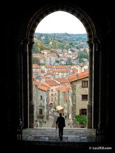 Vue sur Le Puy-en-Velay depuis la cathédrale