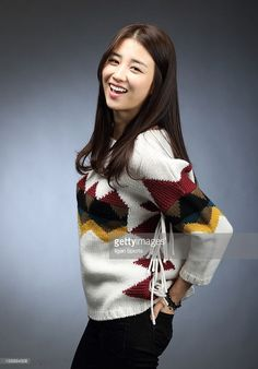 High School Drama, Dong Yi, Bell Sleeves, Bell Sleeve Top, Korean Actresses, Blake Lively, Sweaters For Women, Beautiful Women, Actors