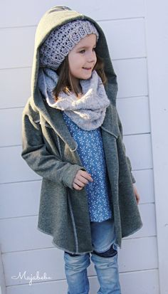 Anita, Mädchen-Strickjacke, Schnittmuster Hijab hijab for kids Fashion Background, Kids Fashion, Fashion Outfits, Girl Hijab, Baby Kids Clothes, Girls Sweaters, Sewing For Kids, Girls Dresses, How To Wear