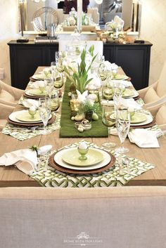 Easter Decorating Ideas My Top Ten Posts of 2019 - Green and White Easter Table Setting - Home with Holliday Table Place Settings, Easter Table Settings, Easter Table Decorations, Beautiful Table Settings, Decoration Table, Table Centerpieces, Easter Decor, Setting Table, Easter Centerpiece