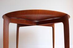 teak tray table designed by Svend Age Willumsen & Hans Engholm for Fritz Hansen, Denmark 1958 (W60xD60xH42cm)
