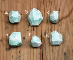 Etsy の porcelain faceted stone brooch by madebymememe