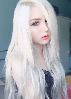 185 silver hair color ideas and tips for dyeing, maintaining your grey hair -page 24 > Homemytri. Emo Girls, Cute Girls, Beautiful Eyes, Pretty Face, Pretty People, Dyed Hair, Girl Hairstyles, Blonde Hair, Hair Color