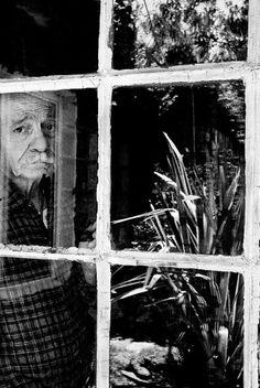 Ernesto Sabato, al otro lado del túnel | Edición impresa | EL PAÍS  El autor de 'Sobre héroes y tumbas' muere en Santos Lugares, cerca de Buenos Aires, a dos meses de cumplir 100 años - Fue la conciencia política contra la dictadura