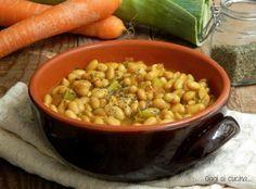 Zuppa speziata di soia gialla http://blog.giallozafferano.it/oggisicucina/zuppa-speziata-di-soia-gialla/