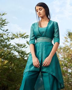 Engagement Outfits, Girl Photography Poses, Striped Linen, Indian Designer Wear, Western Outfits, Bollywood Fashion, Fashion 2020, Indian Fashion, Casual Looks