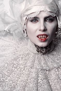 Closeup of Lucy as bride of Dracula
