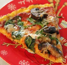 Spaghetti Squash Crust Pizza - For (that's right, an entire quarter!) of this pizza, it adds up to only 212 calories. Looks delicious - considered even better tasting than cauliflower crust! Spaghetti Squash Pizza, Spaghetti Squash Recipes, Veggie Spaghetti, Vegetarian Recipes, Cooking Recipes, Healthy Recipes, Pizza Recipes, Healthy Dinners, Healthy Foods
