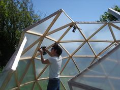 DYS dome greenhouse Interior Plants, Geodesic Dome Greenhouse, Geodesic Dome Homes, Best Greenhouse, Greenhouse Ideas, Dome Structure, Dome House, Permaculture Design, Backyard Buildings