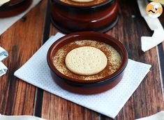 Here is a simple dessert coming straight from Spain : the Natillas! - Recipe Dessert : Natillas, the spanish custard by PetitChef_Official Creme Custard, Coconut Custard, Vanilla Custard, Chocolate Custard, Vegan Chocolate, Desserts Espagnols, Spanish Desserts, Custard Desserts, Delicious Desserts
