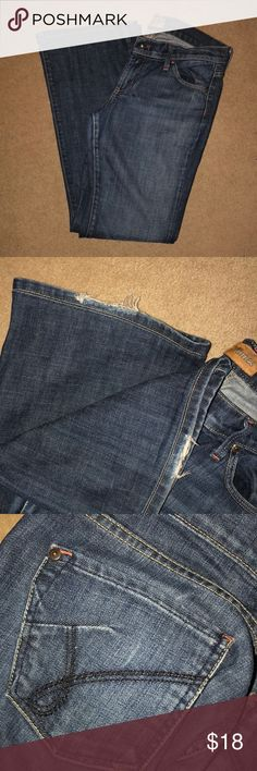 James Jeans James Jeans Size 29 IGUC   Trades or Offers Accepted James Jeans Jeans