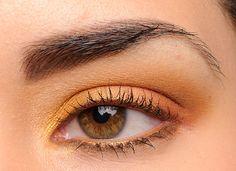 Makeup Geek Vegas Lights Eyeshadow Palette: Makeup Geek Eyeshadows: Casino (inner lid), Sin City (middle of lid), Roulette (outer lid), Desert Sands (crease and above crease), Bada Bing (crease), Mirage (brow bone), Sephora Sun Tan + Tiramisu Eyeliners (lower lash line)