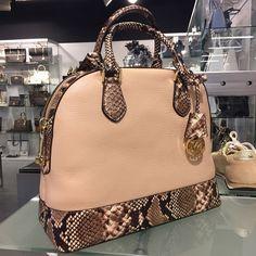 Michael Kors Handbags #Michael #Kors #Handabgs Fashion on Pinterest