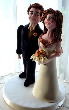 Cake Decorating Classes Workshops in Hampshire Portsmouth UK South Coast Gosport Southampton. - Bride and Groom class