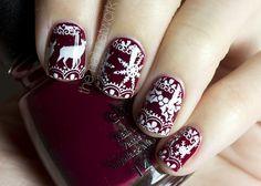 Christmas-Sweater-Nail-Art
