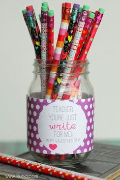 Cute and easy Teacher's Valentine's Gift { lilluna.com }