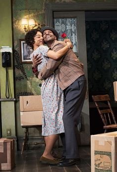 Photo 1 of 4 | Denzel Washington as Walter Younger & Sophie Okonedo as Ruth Younger in A Raisin in the Sun | A Raisin in the Sun: Show Photos | Broadway.com