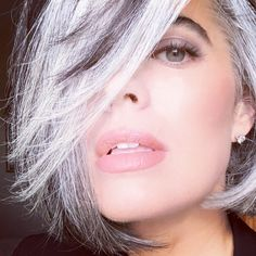 56160a09df7a On Air Beauty Expert Nikol Johnson Reinventing Beauty With Gray Hair