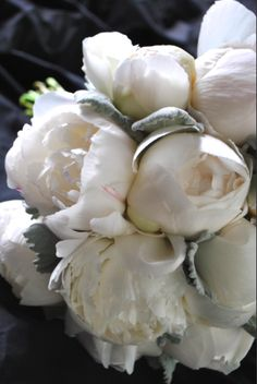 The Perfect hit of Silver/Grey - Wedding Bouquet Ideas