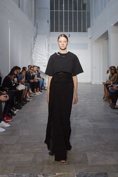 Off-White Spring 2016 Ready-to-Wear Fashion Show
