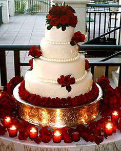 Red and Purple Wedding Ideas to Consider – MyPerfectWedding Extravagant Wedding Cakes, Elegant Wedding Cakes, Beautiful Wedding Cakes, Wedding Cake Designs, Wedding Themes, Beautiful Cakes, Wedding Ideas, Wedding Cake Red, Rose Wedding