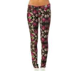 Volcom Floral Railed Skinnies Volcom Floral Railed Skinnies. Worn once and a bit too tight on my waist. 91% cotton 7% polyester 2% spandex. Volcom Jeans Skinny