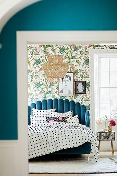 8 Fall Home Design Trends to Love from Anthropologie - Chic+Fab+Love Anthropologie Bedroom, Anthropologie Uk, Contemporary Home Decor, Headboards For Beds, Headboard Ideas, Home Living, Clean Living, Minimalist Bedroom, Minimalist Interior