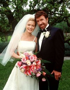 Walker, Texas Ranger debuted 21 years ago this week Walker (Chuck Norris) and Alex (Sheree J. Wilson) finally tie the knot, on a special two-hour season Walker, Texas Ranger - Season Episode 25 - Wedding Bells Celebrity Wedding Photos, Celebrity Weddings, The Knot, Sheree Wilson, Chuck Norris Movies, Pictures Of Walkers, Walker Texas Rangers, Detective, Hollywood Wedding