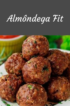 4 Receitas Fit Fáceis e Saborosas 4 easy fit recipes to help you in your diet. The fit meatball is super protein, as is the [. Ketogenic Recipes, Diet Recipes, Cooking Recipes, Healthy Recipes, Diet Food Chart, Food Charts, How To Make Crepe, Good Food, Yummy Food