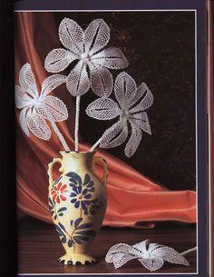 Archivo de álbumes Salvador, Lacemaking, Fancy, Motif Floral, Bobbin Lace, Tinkerbell, Pattern, Inspiration, Decor