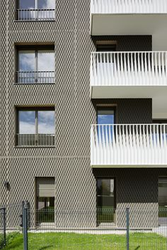 Projets - MGAU Space Architecture, Architecture Details, Apartment Projects, Balcony Railing, Building Facade, Facade Design, Tiny House, Terraces, Railings