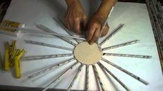 Egyszerű kerek kosár fonása papírból, papír talppal