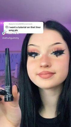Makeup Eye Looks, Eye Makeup Art, Skin Makeup, Eyeshadow Makeup, Gothic Eye Makeup, Punk Makeup, Grunge Makeup, Maquillage On Fleek, Eye Makeup Designs
