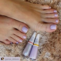 Será que trabalhar como Manicure dá dinheiro? Salve este pin e clique na foto para Descobrir 🤔 Pretty Toe Nails, Cute Toe Nails, Nails Polish, Trendy Nail Art, French Tip Nails, Toe Nail Designs, Beauty Nails, Beauty Makeup, Hair Beauty