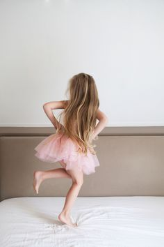Ise dancing in tutu // The super cute life of Ise and Saartje - www.petitloublog.com