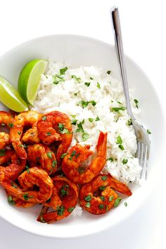 This Easy Peruvian Shrimp recipe takes less than 15 minutes to make, and it's full of delicious bold flavors that I absolutely love!   http://gimmesomeoven.com