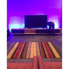 @ai_que_desapego_ | Tapete da Índia by Kamy, semi novo. Medidas: 2,50 X 1,53 Composição: 80% LA 20% Algodão R$3.500,00 #tapete #bykamy #casa #decoracao #arte #decoração