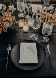 Minimal modern fall wedding at Hummingbird Nest Ranch with all dried flowers Real Weddings 100 Layer Cake Decoration Restaurant, Hummingbird Nest Ranch, Deco Table Noel, 100 Layer Cake, Wedding Table Settings, Table Place Settings, Autumn Wedding, Forest Wedding, Wedding Designs