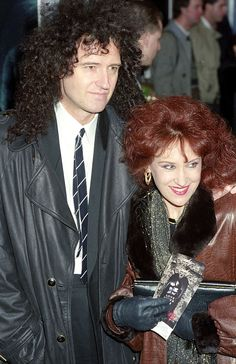 Brian May and Anita Dobson attend the 'Dracula' movie premiere on January 1993 in London, England. (Photo by Tom Wargacki/WireImage) Queen Photos, Queen Pictures, Brian's Song, Queen Brian May, We Will Rock You, Queen Freddie Mercury, Queen Band, Rockn Roll, John Deacon