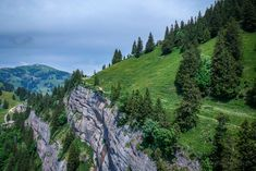The Rigi Massif offers no less than 120 kilometers of hiking and climbing routes suitable for taking a simple walk to climbing a mountain. Switzerland, Climbing, Hiking, Queen, Mountains, Nature, Travel, Europe, Transmission Tower