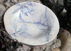 Love & Lace Sea Grass Ceramics: Uniquely hand crafted plates created with ceramic clay, imprinted with sea grass collected from the beaches of Cape Town.