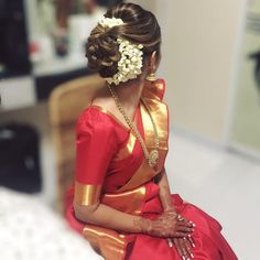 42 ideas indian bridal shower ideas the bride Wedding Hairstyles For Long Hair, Bride Hairstyles, Trendy Hairstyles, Hair Wedding, Indian Hairstyles For Saree, South Indian Bride Hairstyle, Indian Wedding Makeup, Saree Hairstyles, Hairstyle Wedding