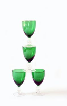 Four Vintage Emerald Green Glass Shot Glasses with Pedestal Bases #vintage #retro #barware #vintagebarware #cordialglasses