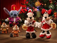 Hong Kong Disneyland Christmas Fantasy - Mickey and Minnie Mouse dressed as Santa and Mrs. Claus Picutre 6