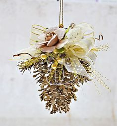 Christmas decorations - Joanne Bain - Off the page inspiration