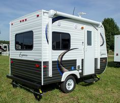 Camper Trailers For A Good Camping Expertise - Crithome Pop Up Camper Trailer, Tiny Camper, Small Campers, Camper Trailers, Camper Life, Rv Life, Micro Campers, Boler Trailer, Car Camper